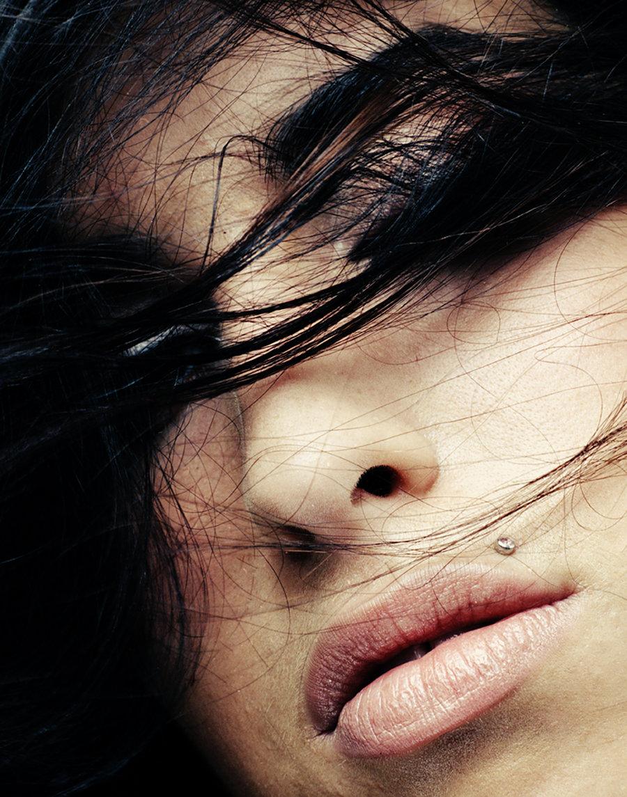 Amy-Winehouse-cr-Phil-Knott-8137-2016-billboard-1240