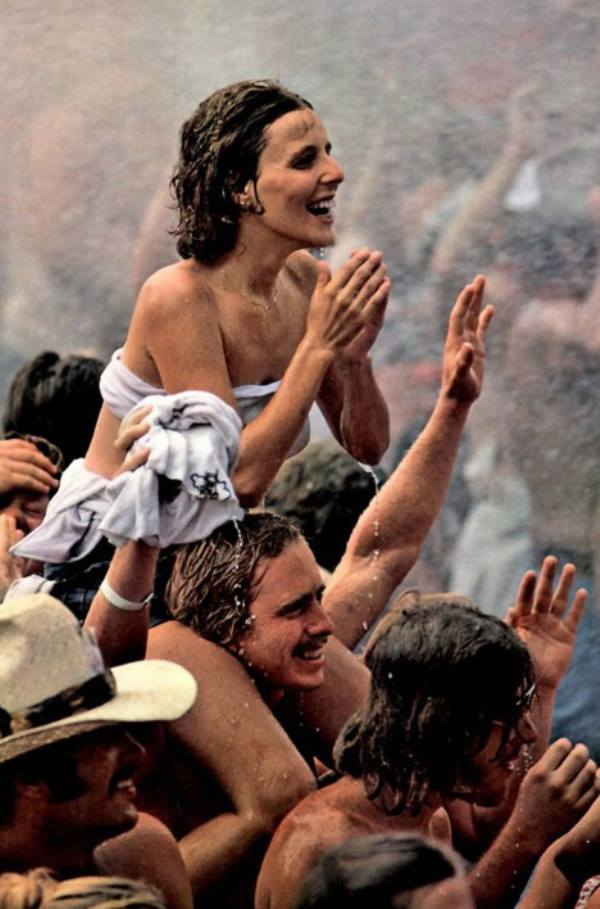 photos-from-the-legendary-1969-woodstock-rock-festival-63272